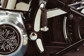CHROME FRAME ACCENTS FOR SOFTAIL