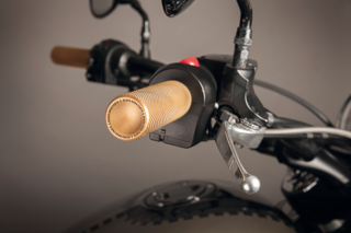BLACK DUCK HANDLEBAR GRIPS FOR VICTORY